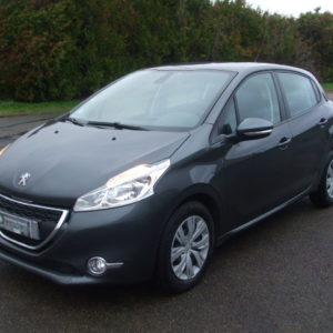 Peugeot 208 1.4 Hdi 68 Ch Affaire Pack Clim 5P 2 Places 4 490€ TTC
