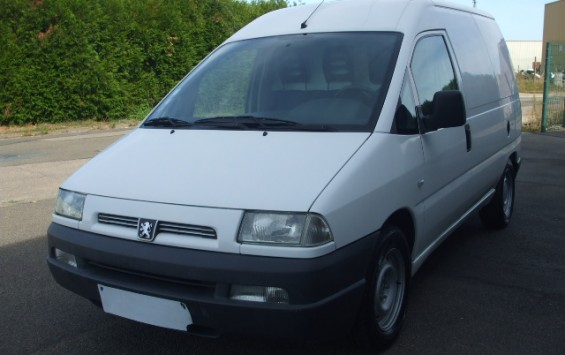 Peugeot Expert fourgon tole 2.0hdi 90ch 3pl